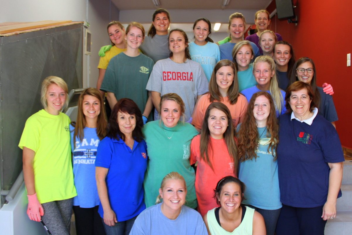 Greece Direct students get ready for service days!